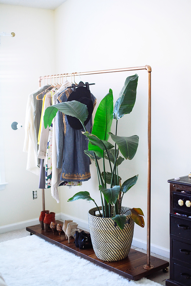 diy-garment-rack-with-instructions-www.inhonorofdesign.com_