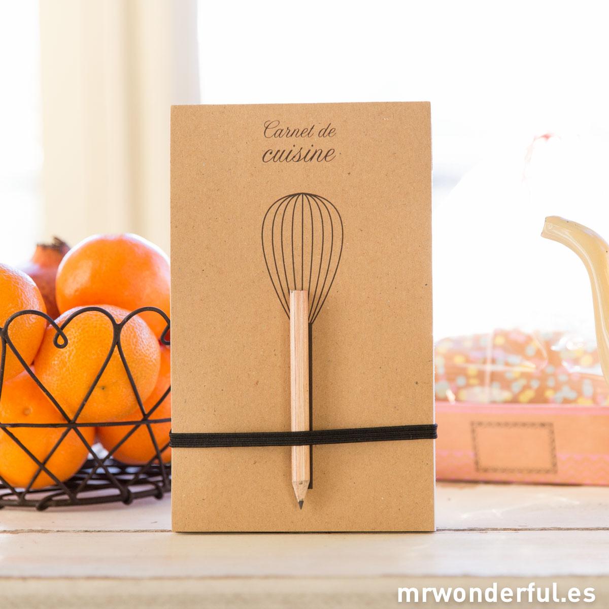 mrwonderful_AR1026_Libreta-kraft-lapiz_Carnet-du-cuisine-1