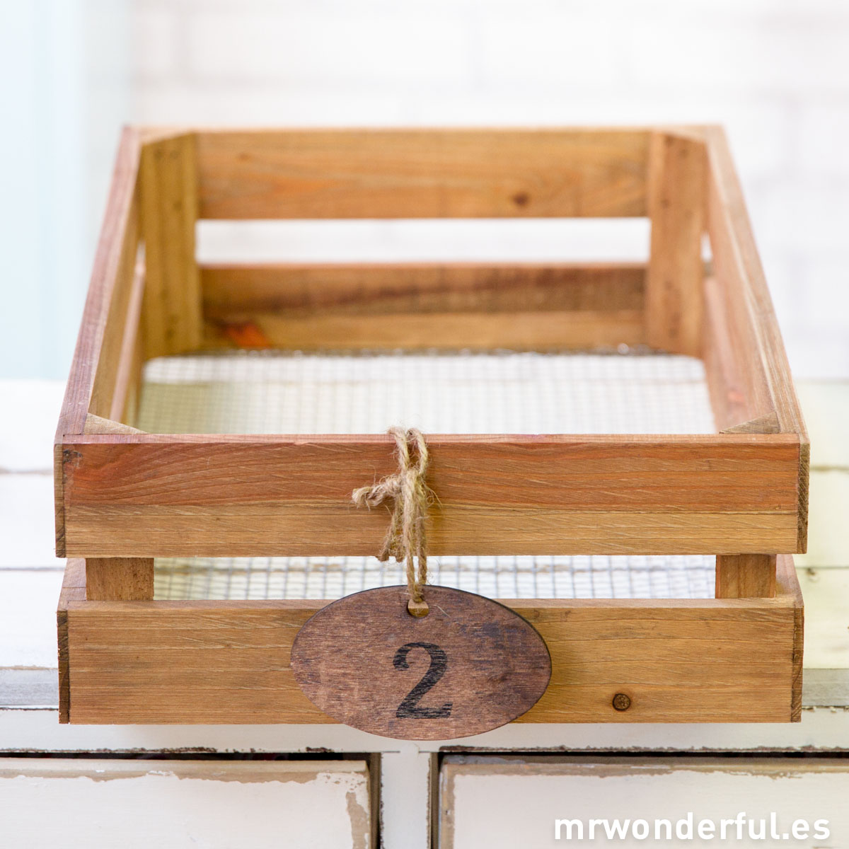 Mr.Wonderful caja de madera pequeña con base de malla