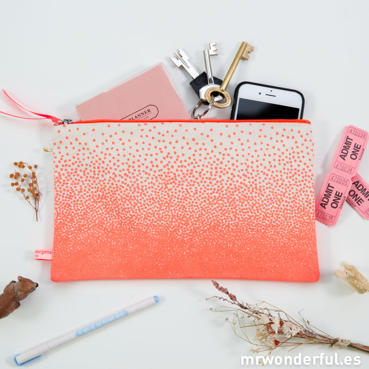 mrwonderful_TROUSSE_POUDRE_ORANGE_Neceser-de-lona-pintado-a-topitos-Color-neon-8
