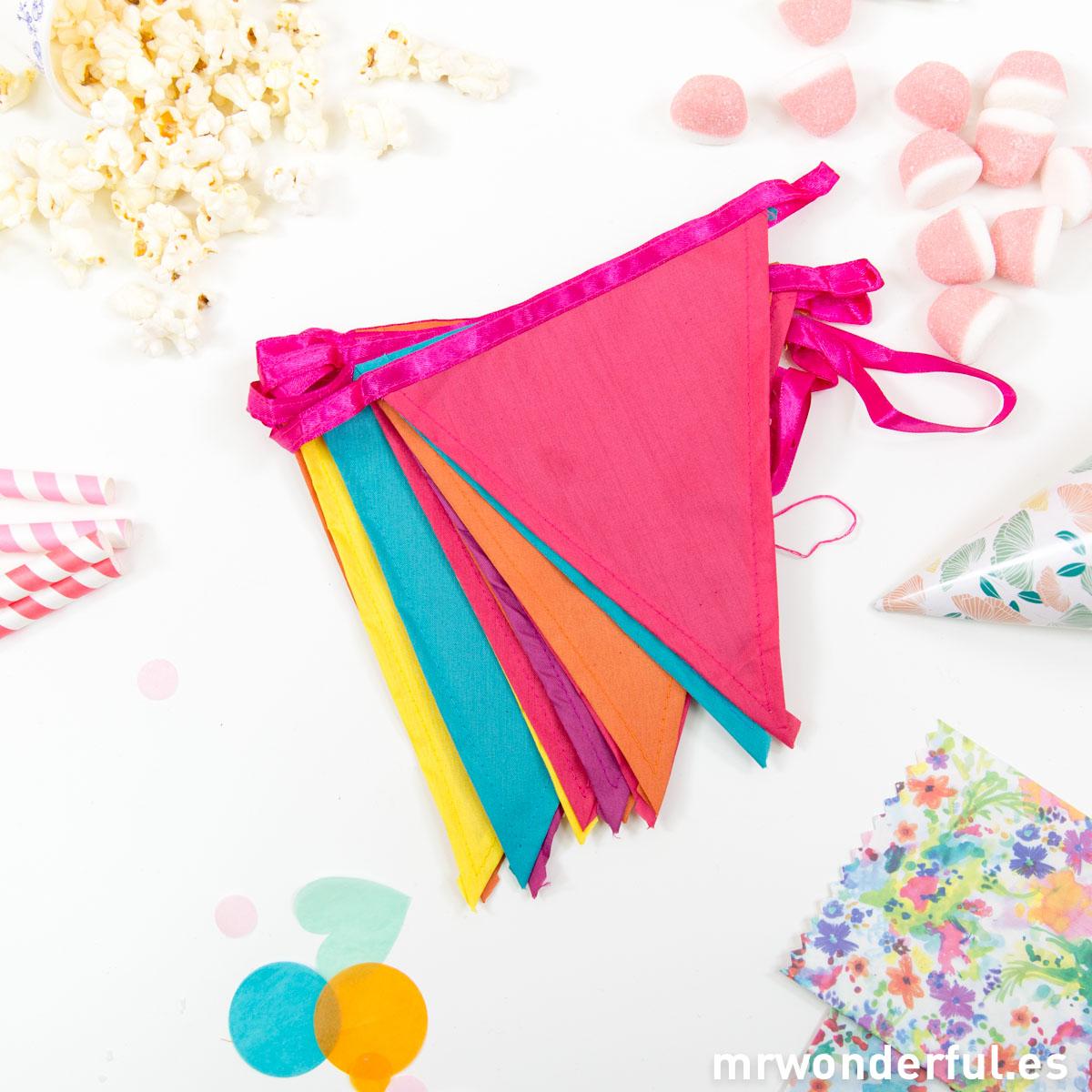 mrwonderful_DD-FABBUFI_guirnalda-banderines-colores-1