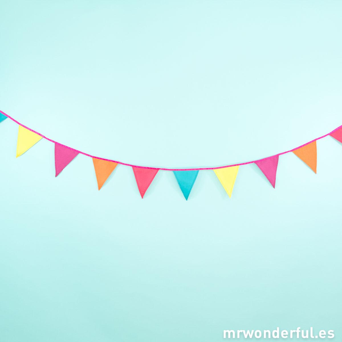 mrwonderful_DD-FABBUFI_guirnalda-banderines-colores-4
