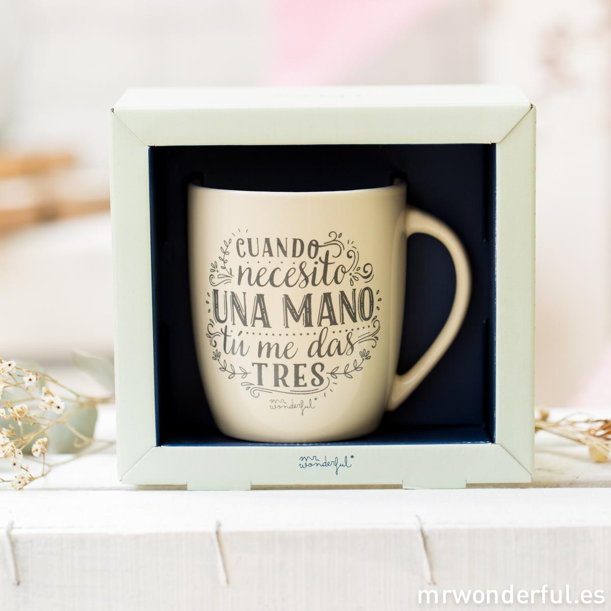 mrwonderful_8436547191666_WON-212_TAZA_Taza-pastel-AMARILLA_cuando-necesito-una-mano-me-das-tres-27