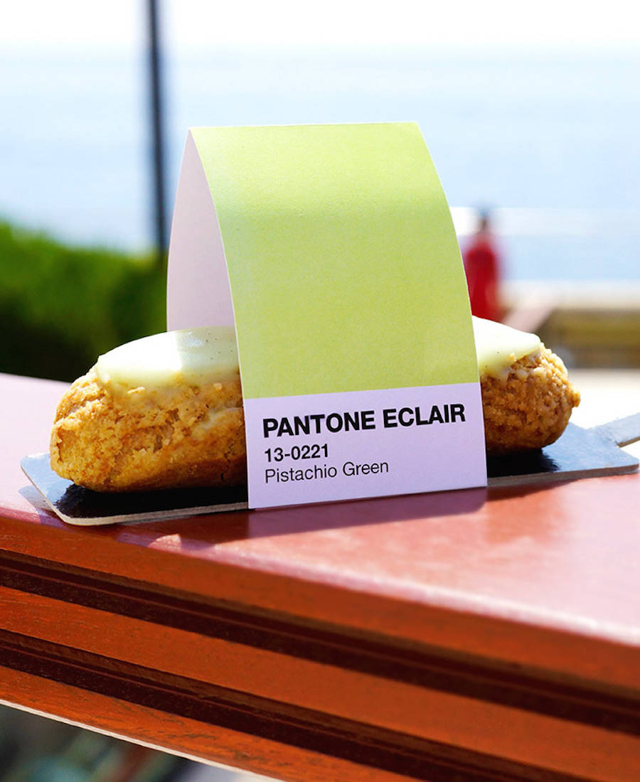 pantonecafe4-1-900x1100