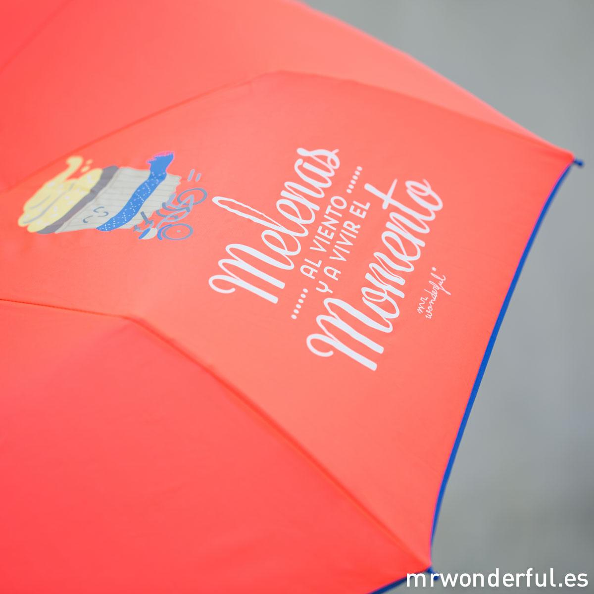 mrwonderful_8436547190065_LLUVIA_MELENAS_Paraguas-Mediano_Melenas-al-viento-y-a-vivir-el-momento-69-Editar-Editar