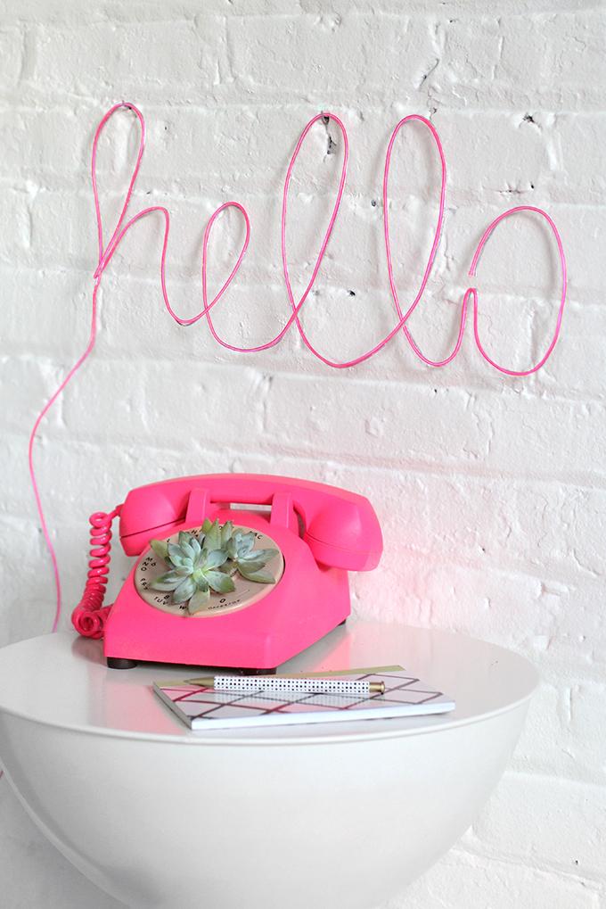 DIY con letras neón para dar color a tu casa