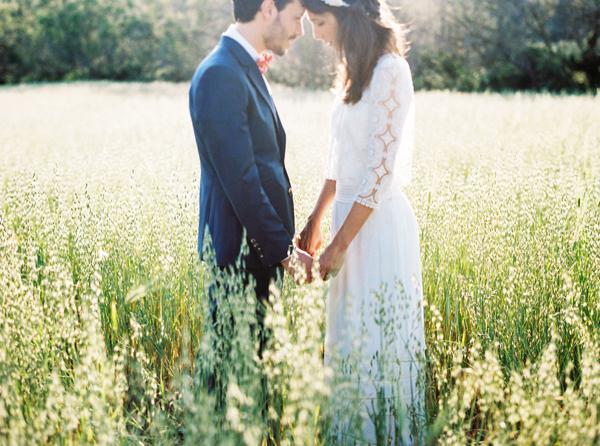Mathilde y Simon: una boda íntima y preciosa en la Costa Brava