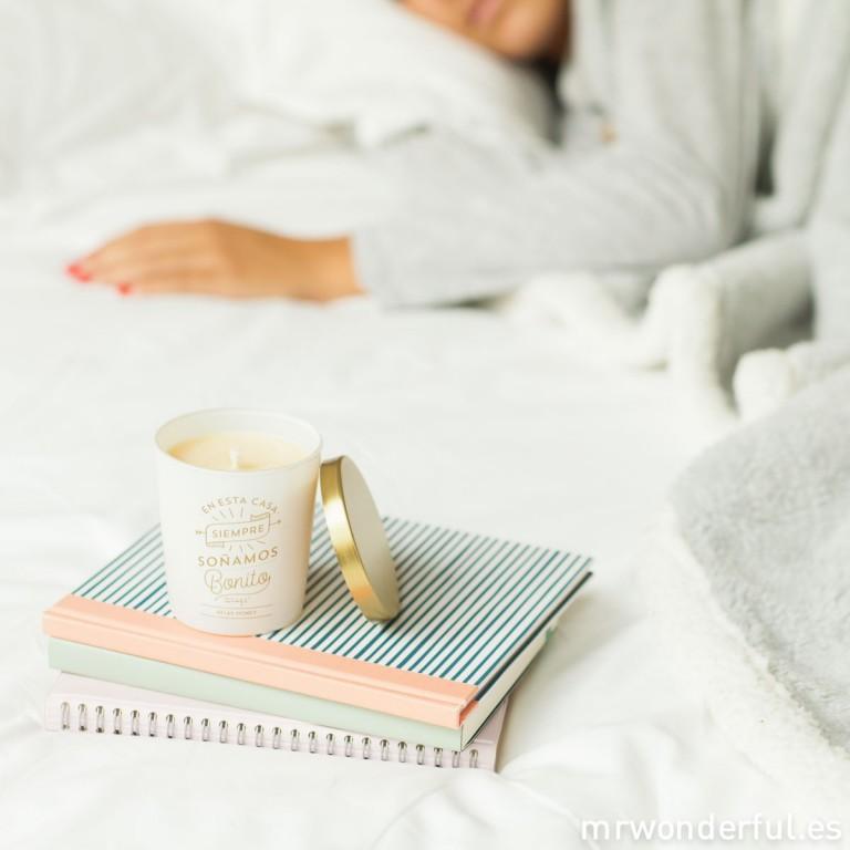Nuevas velas para dar calorcito a tu hogar y pegatinas para poner los regalos bien bonitos
