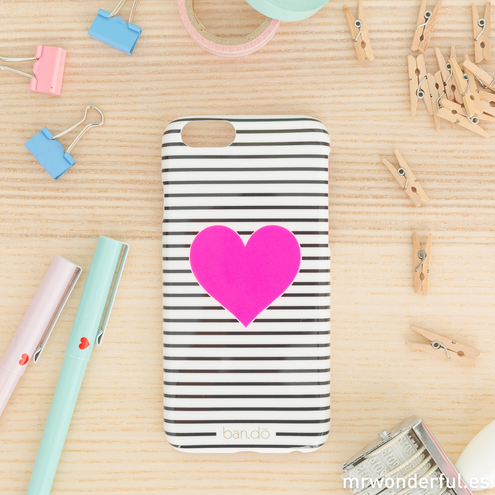 mrwonderful_PRA02801_Carcasa-para-iPhone-6-Heart-stripe-3