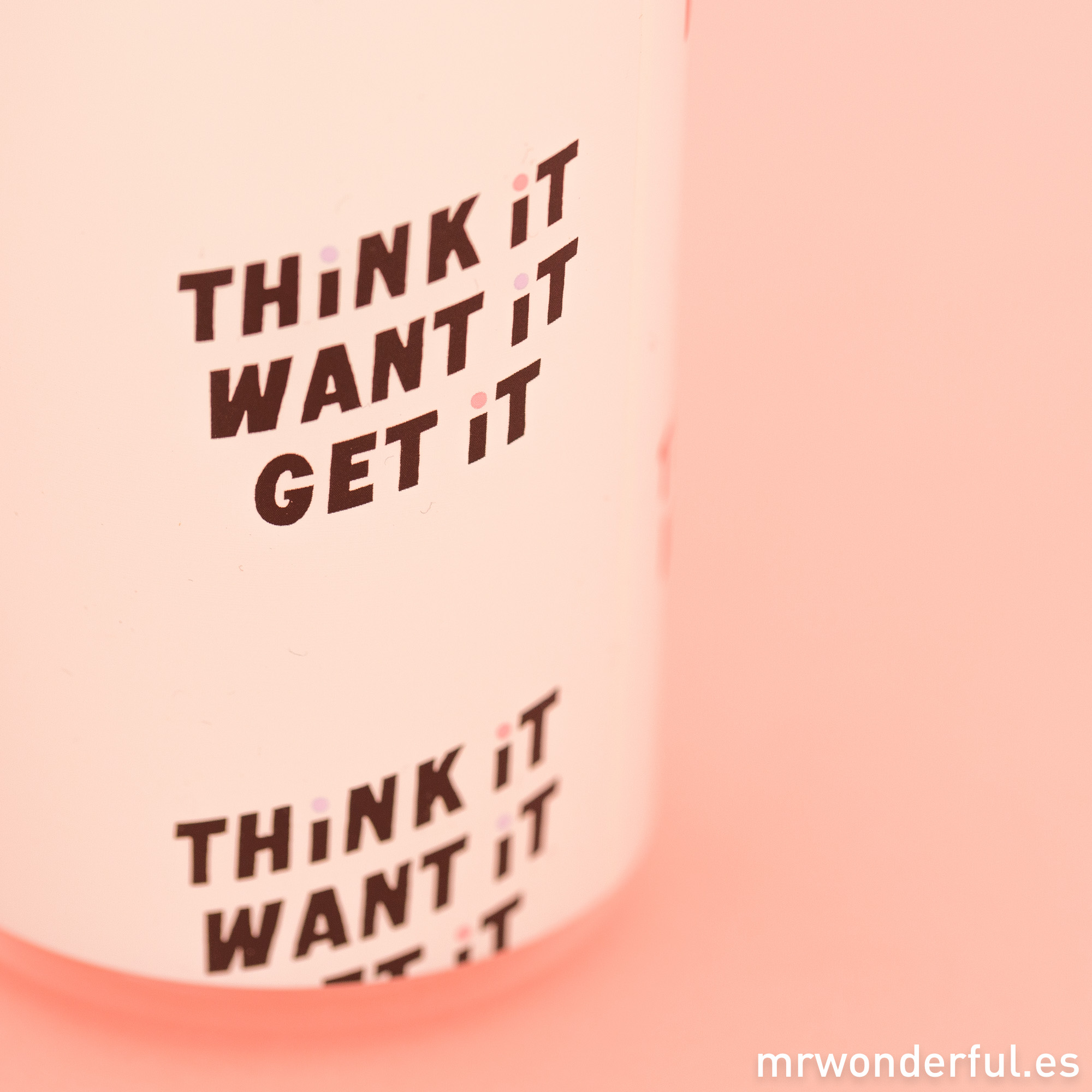 mrwonderful_PRA02813_Botella-para-deporte-Think-it-want-it-get-it-5