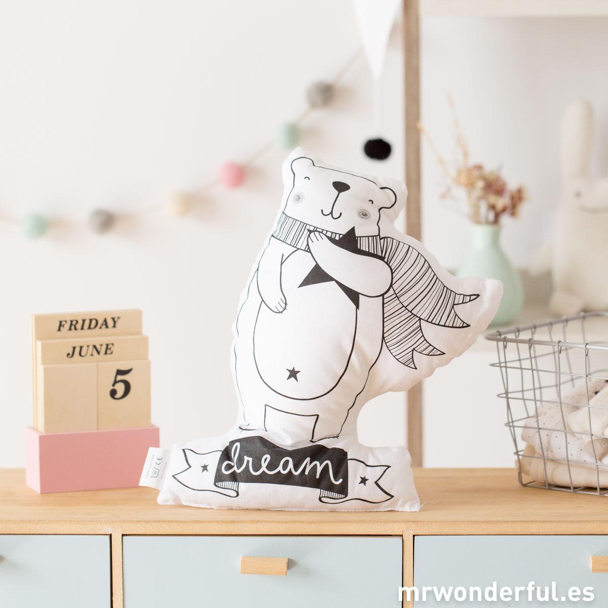 mrwonderful_PRA02857_Cojin-Bear-love-1