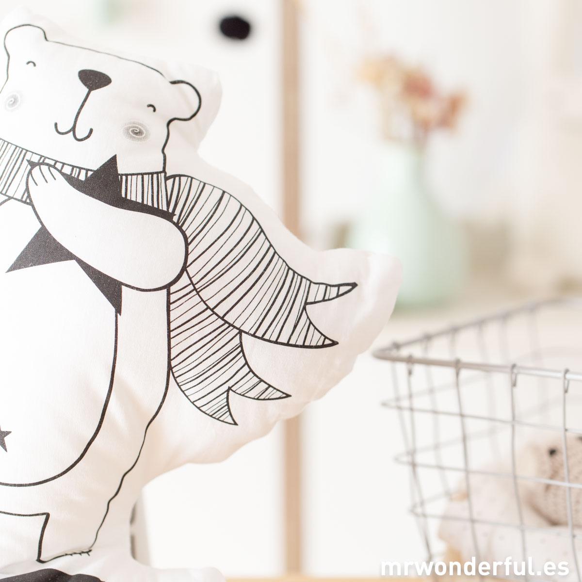 mrwonderful_PRA02857_Cojin-Bear-love-5