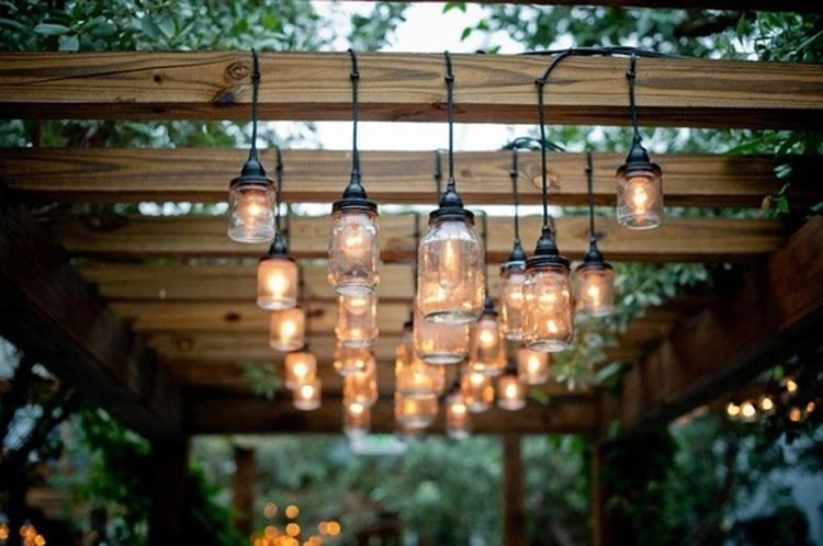 Inspiraci n deco lo tuyo son luces y lo de estas terrazas for Como iluminar arboles en el jardin