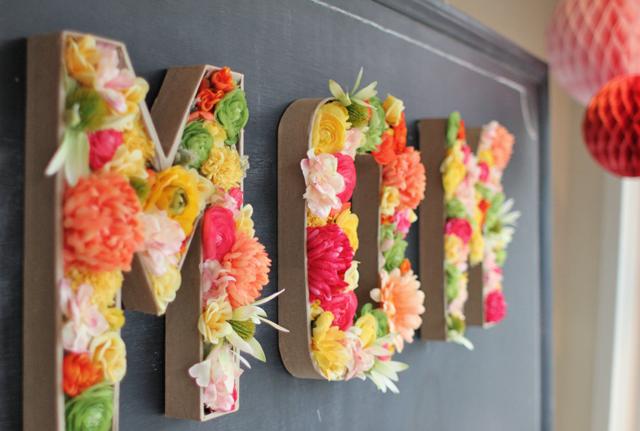 DIY: Letras con flores y mucho arte
