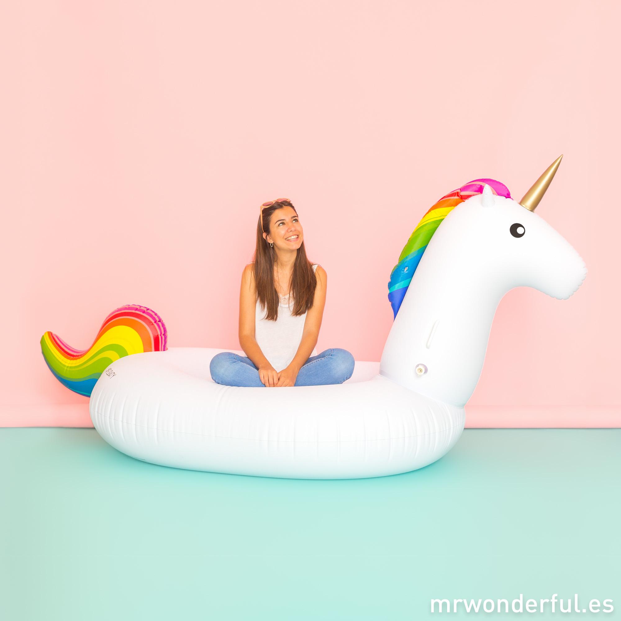 mrwonderful_ PRA02961UN_Flotador-unicornio-05