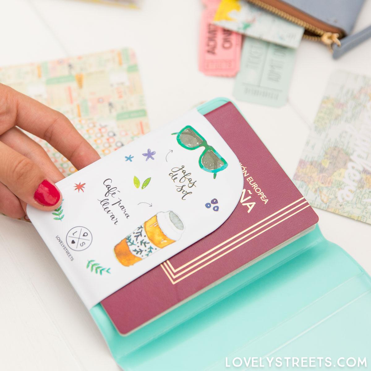 LOVELYSTREETS_8435439301428_funda-pasaporte_voy-a-vivir-un-millon-de-aventuras_CAST-12