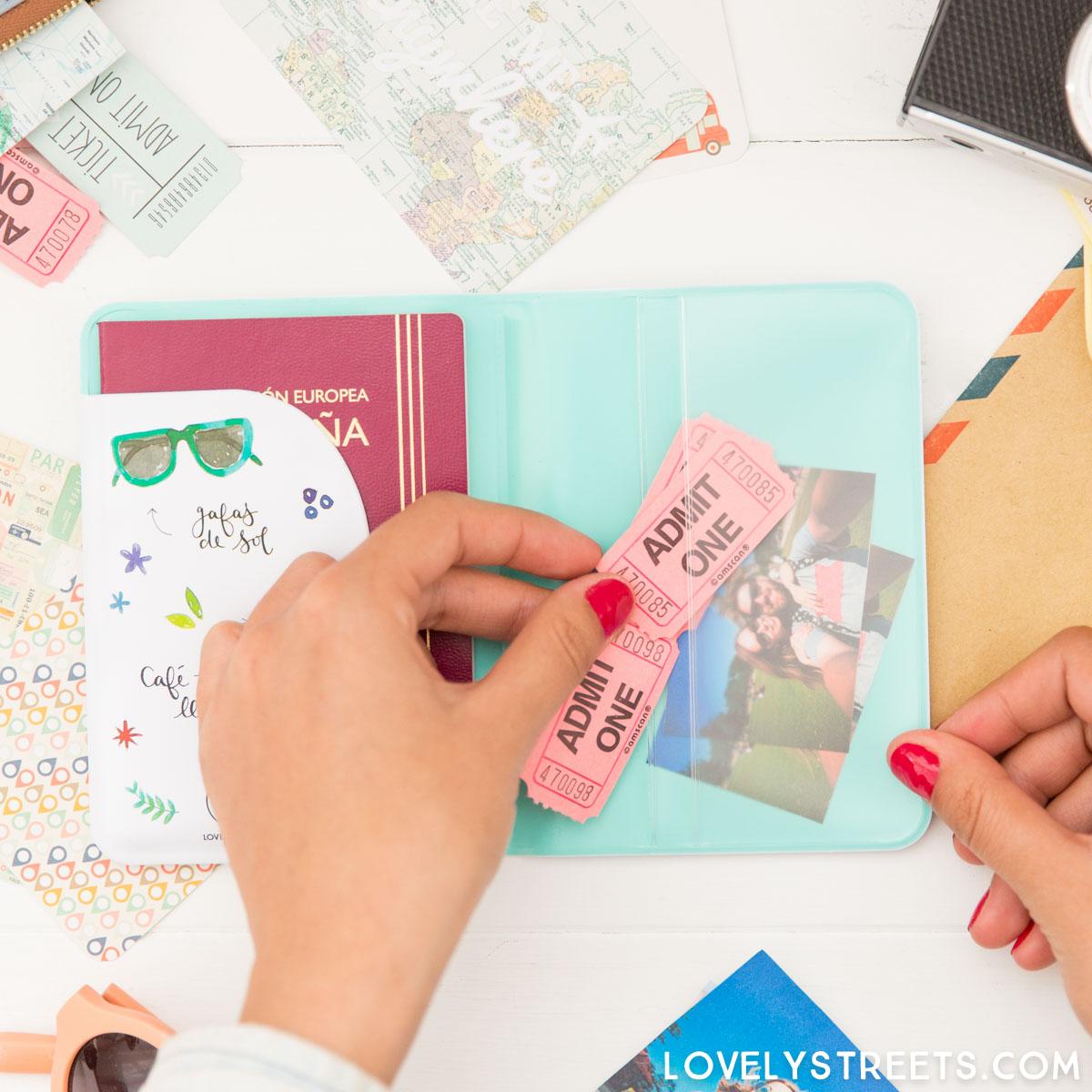 LOVELYSTREETS_8435439301428_funda-pasaporte_voy-a-vivir-un-millon-de-aventuras_CAST-18