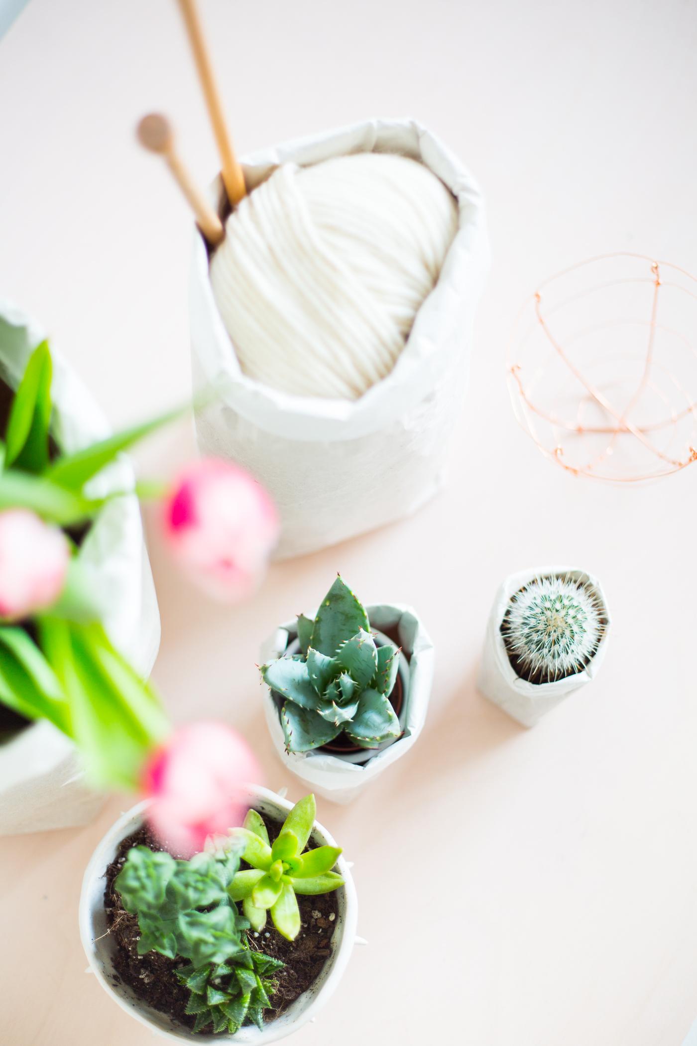 Cómo hacer bolsas de papel para tus plantas