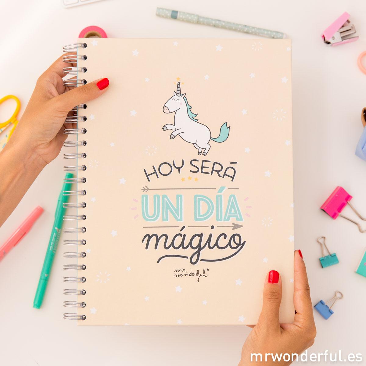 mrwonderful_8435460707350_WOA03708ES_libreta-grande_hoy-sera-un-dia-magico_CAST-5-Editar