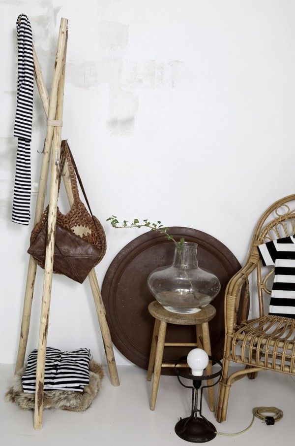 DIY-perchero-depie-de-madera (1)