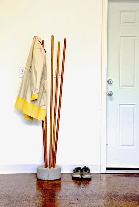 diy-industrial-concrete-and-broomstick-coat-tree-8