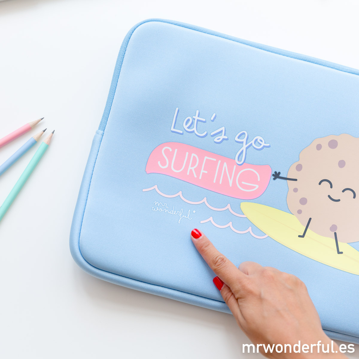 mrwonderful_8436557681515_Funda-Portatil-13-3-Surfing-5