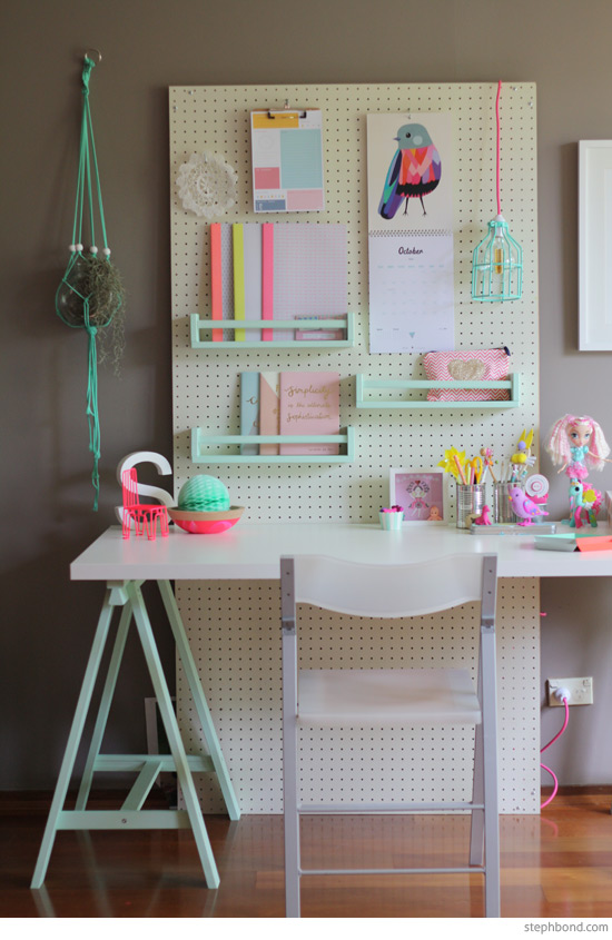 pink-mint-study-desk-kids_stephbpnd.com