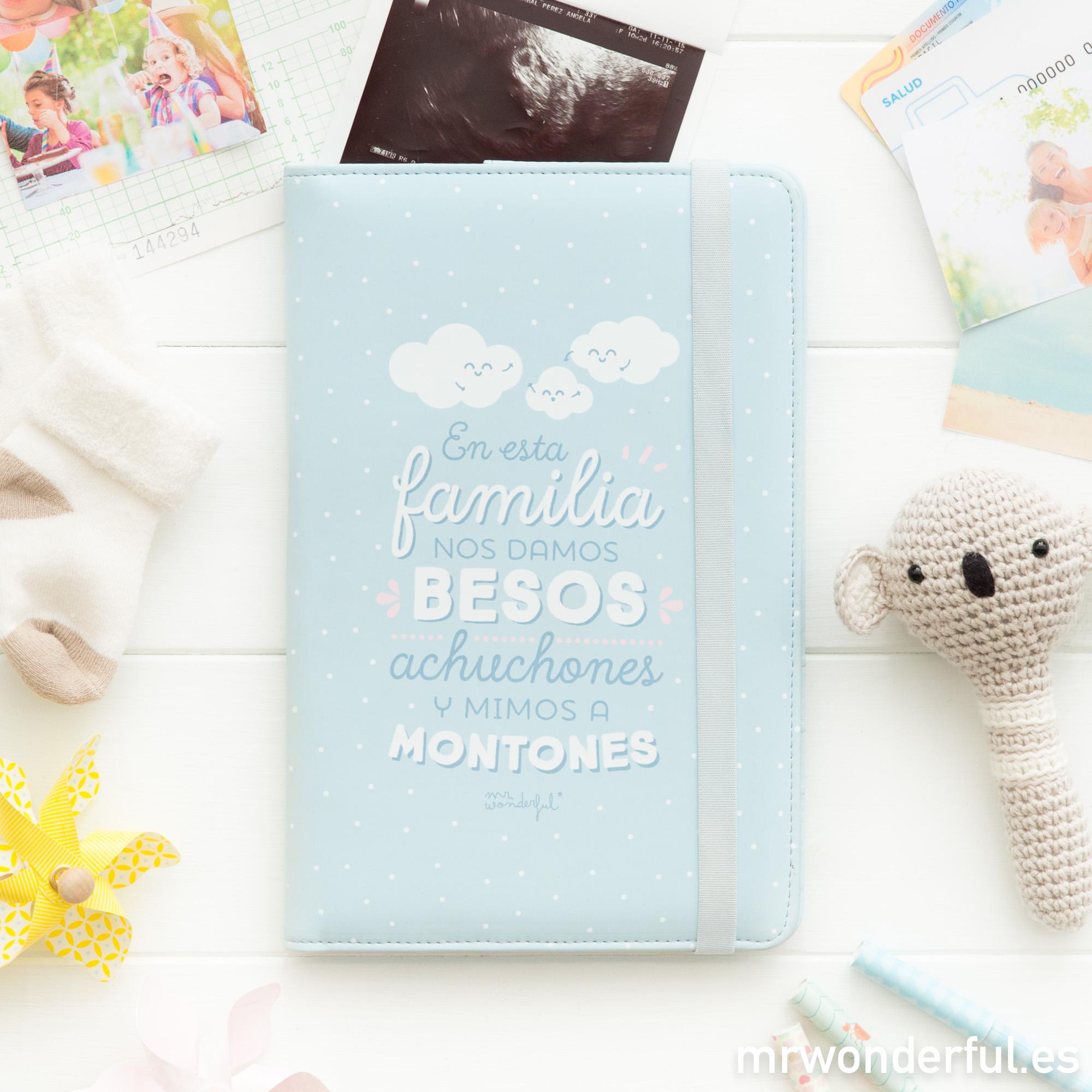 mrwonderful_8435460708746_portadocumentos_bebes-En-esta-familia-nos-damos-besos-ES-1-Editar