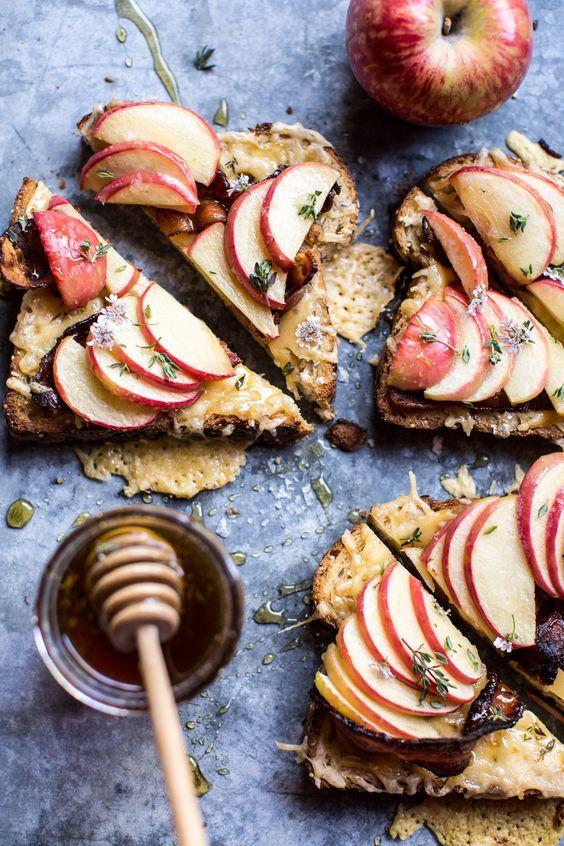 tostada con manzana