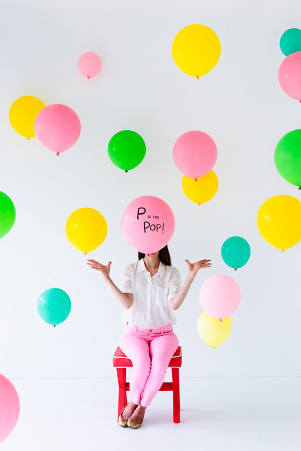 DIY-Baby-Shower-Balloon-Photo-Booth3-600x900
