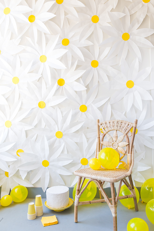 daisy-backdrop