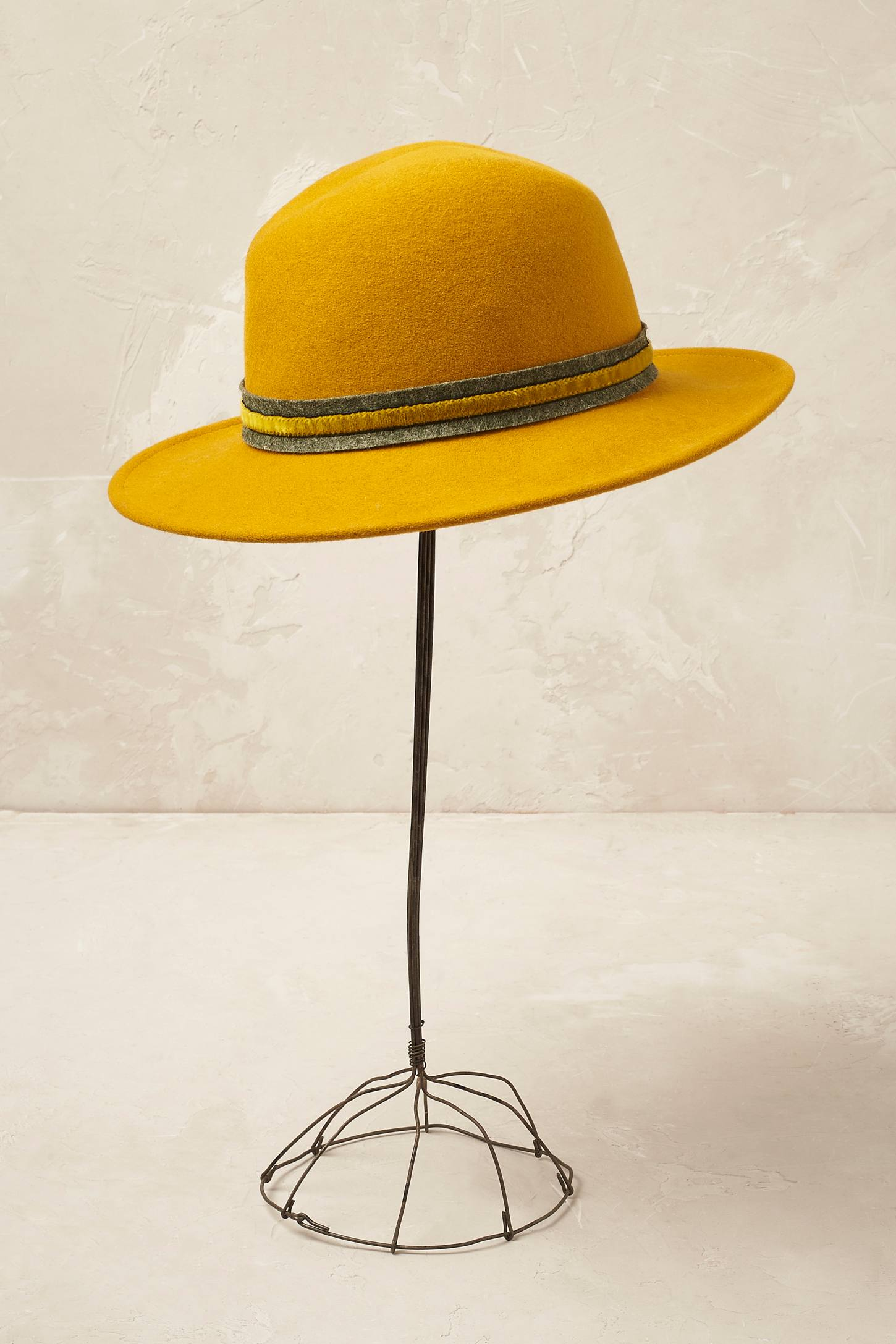 sombrero_fedora_amarillo