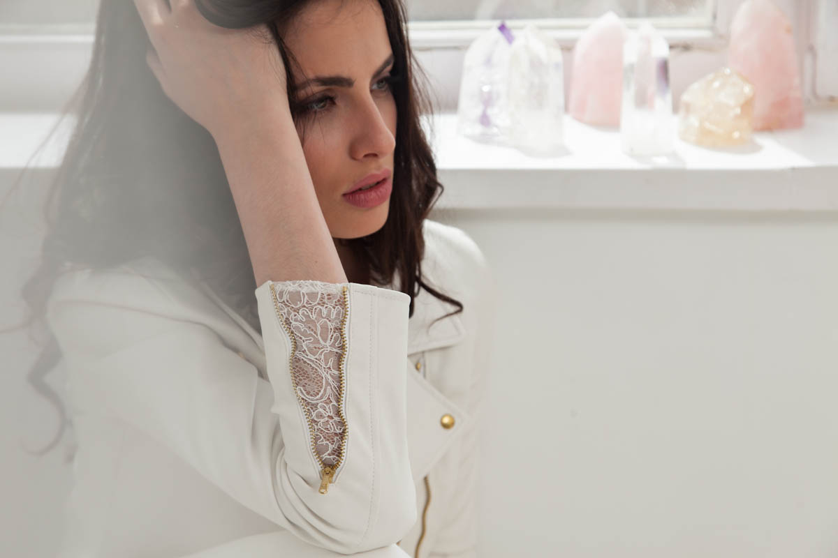 vestidos-novia-otaduy-essentials-rihanna-01-1