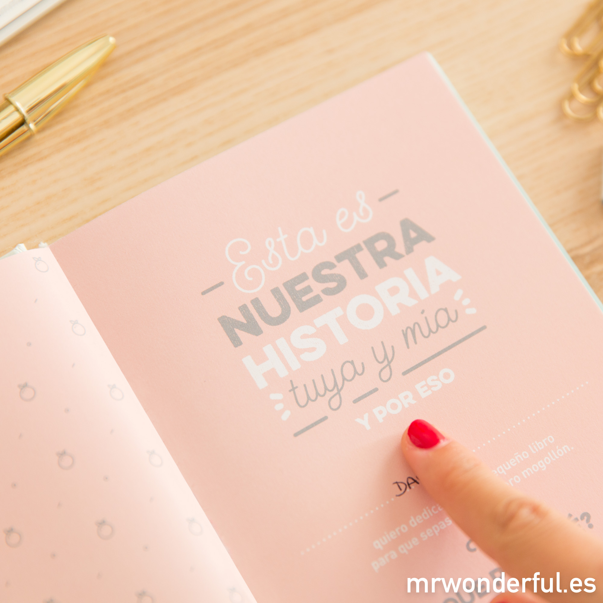 mrwonderful_8435460709941_libro-historias-tuyas-mias_es_2017-10-editar