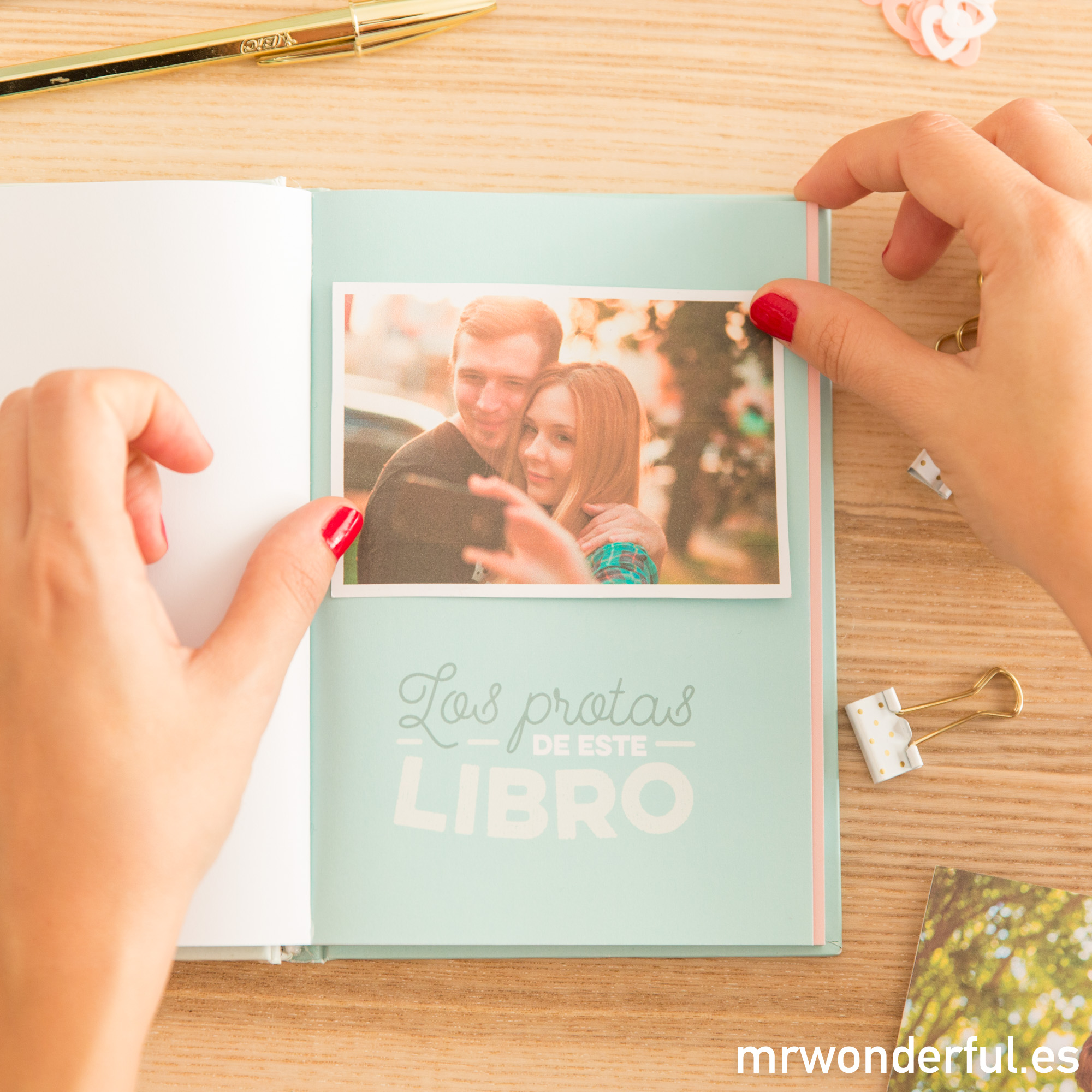 mrwonderful_8435460709941_libro-historias-tuyas-mias_es_2017-9-editar