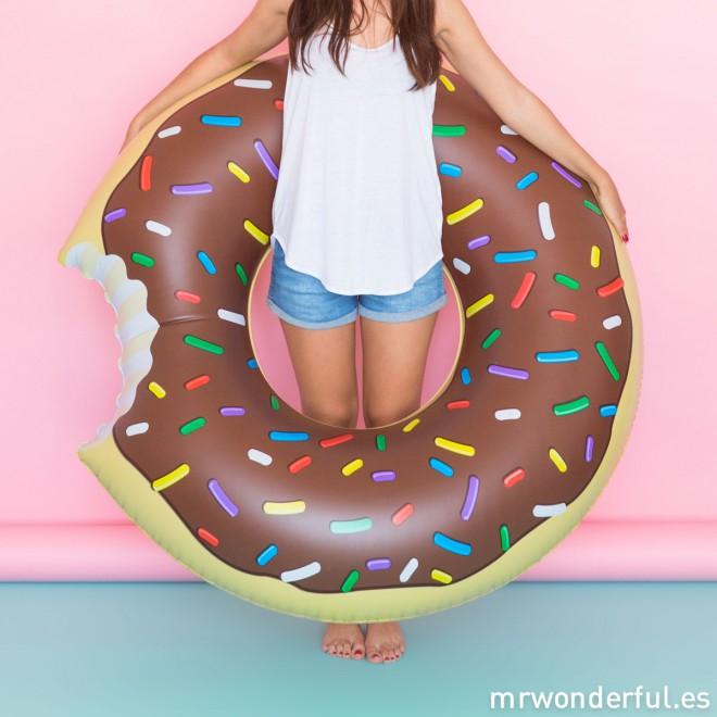 mrwonderful_pra02918_flotador-hinchable_donut-chocolate-17-editar
