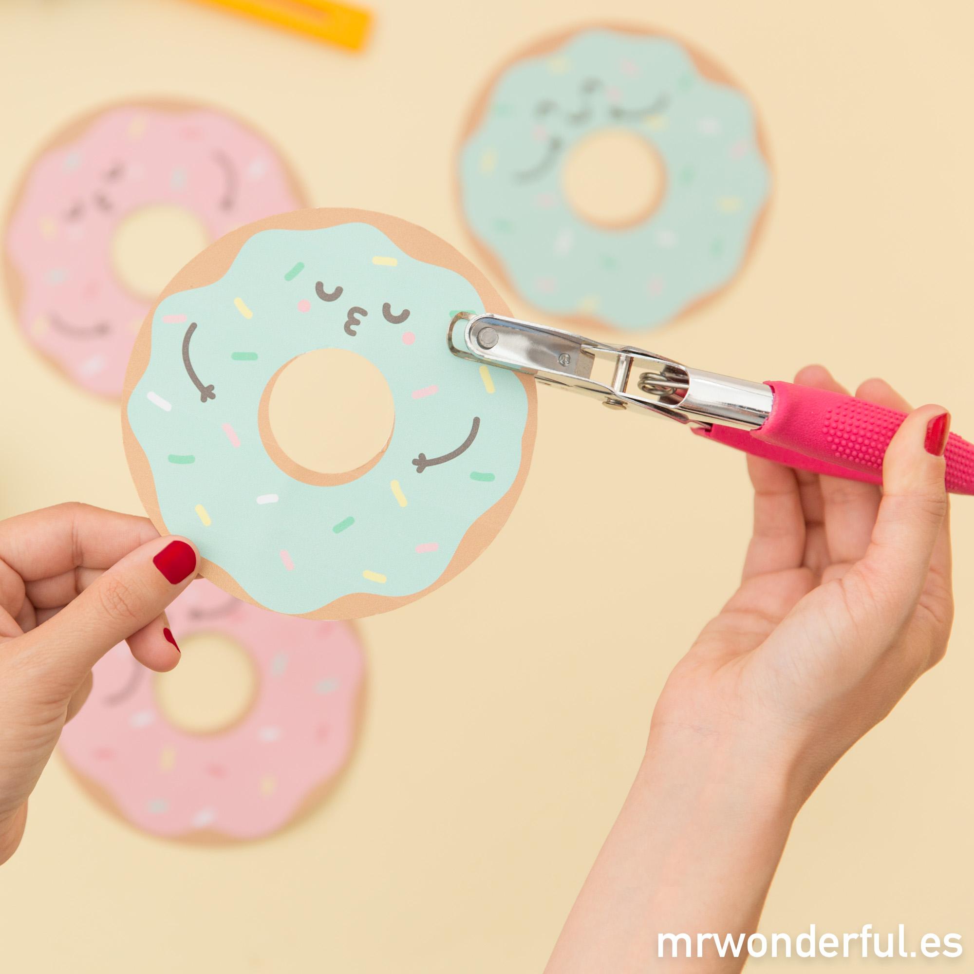 mrwonderful_descargable_banderin-donuts-6-editar