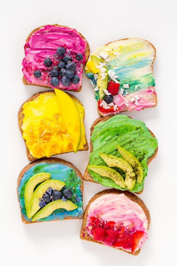 Toastas criativas e coloridas mas saudáveis
