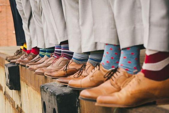 Calcetines de colores para invitados de boda