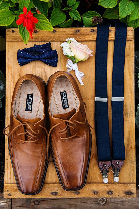 Zapatos boda hombre Foto: E Events Co at Costanoa Lodge