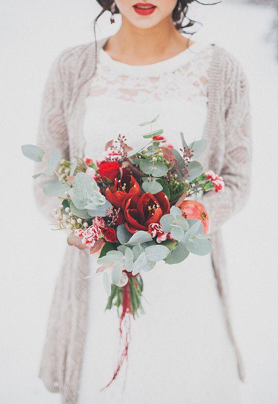 Flores granates ramos de novia de invierno