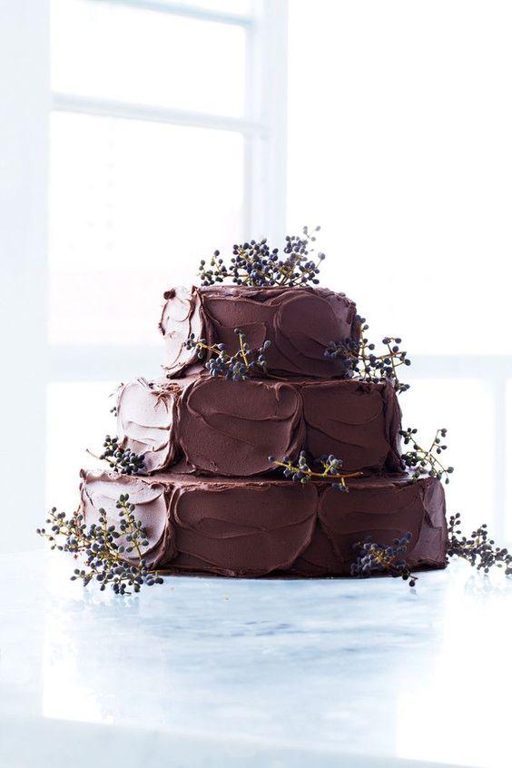 Pastel de chocolate para bodas.