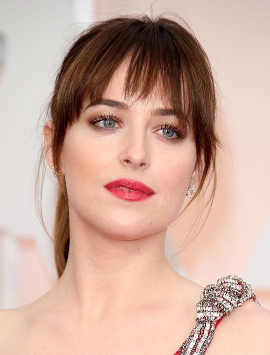 flequillo recto de Dakota Johnson