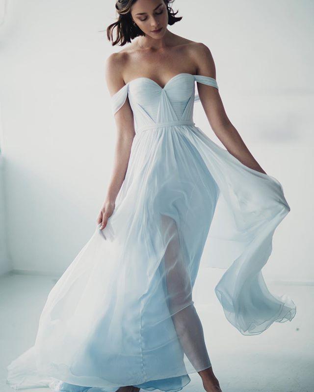 vestidos de novia de colores para bodas diferentes - muymolon