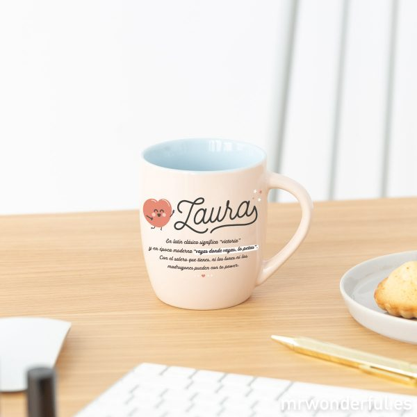 Una taza personalizada por Mr. Wonderful y dedicada al nombre de Laura