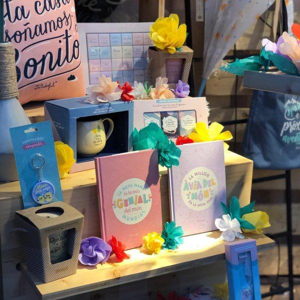 Tienda Nono con su escaparate ganador para el Día de la Madre