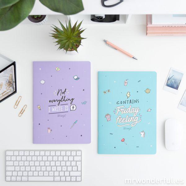 Cuadernos y carpetas con frases
