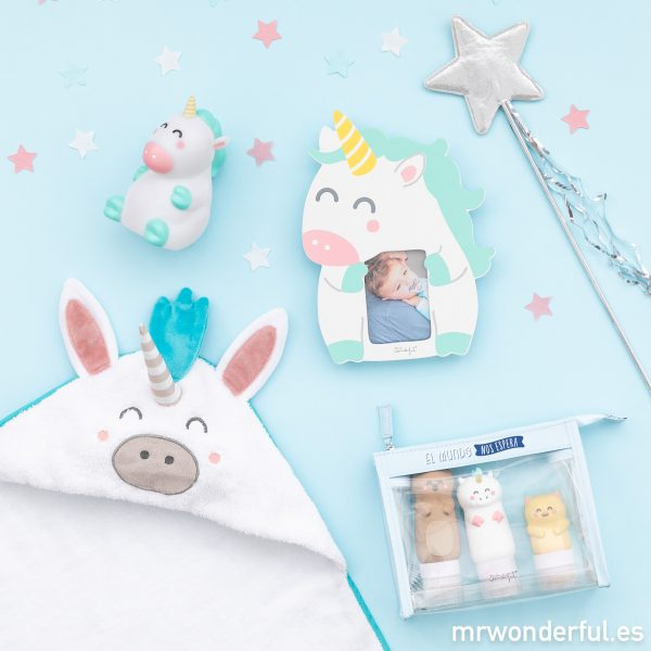 Accesorios para bebés decorados con unicornios