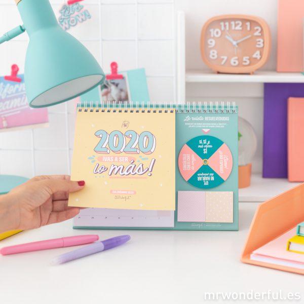 Calendario de mesa con frases