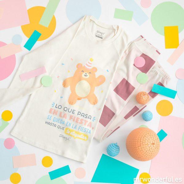 Pijama de mujer de Mr. Wonderful y Tezenis con un dibujo de un oso fiestero y un mensaje muy moderno y actual para chicas jóvenes.